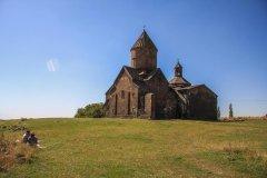 Saghmosavank_Monastery.jpg