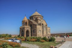 Saint_Hripsime_Church.jpg