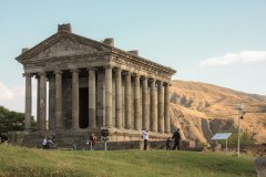 Temple_of_Garni.jpg