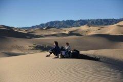 Khongor_Sand_Dunes_1.jpg